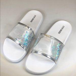 (p243) Steve Madden Water Glitter Slide Sandal 6M